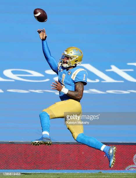 Dorian Thompson-Robinson of the UCLA Bruins throws the ball against the California Golden Bears during the first quarter at Rose Bowl on November 15,...
