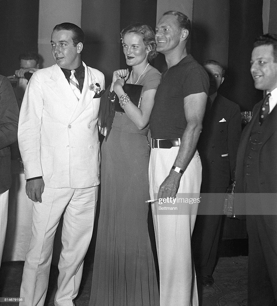 Doris Duke at New York Society Ball : ニュース写真