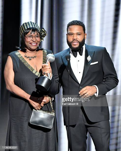 Doris Hancox and Anthony Anderson accept the Outstanding Actor in a Comedy Series award for 'Blackish' onstage at the 50th NAACP Image Awards at...