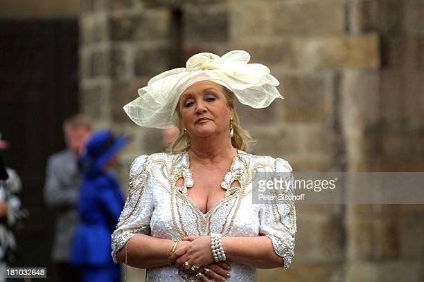 Doris Kunstmann KinoFilm Samba in Mettmann Mettmann Nähe Düsseldorf vor Katholische Kiche am Markt Braut Brautkleid Hochzeit Schauspielerin Promis...