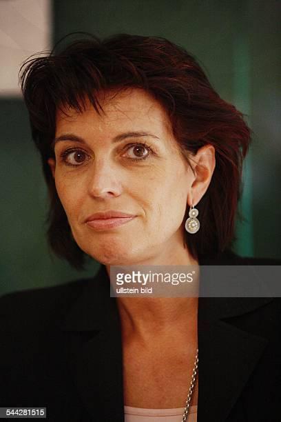 Doris Leuthard Politikerin CVP Schweiz Bundesraetin Vorsitzende des eidgenoessischen Volkswritschaftsdepartement