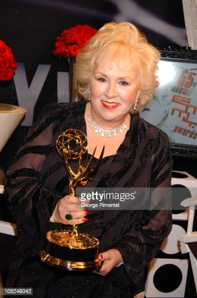 Doris Roberts displays the Emmy she won for Outstanding Supporting Actress for a Comedy Series for her role in 'Everybody Loves Raymond'