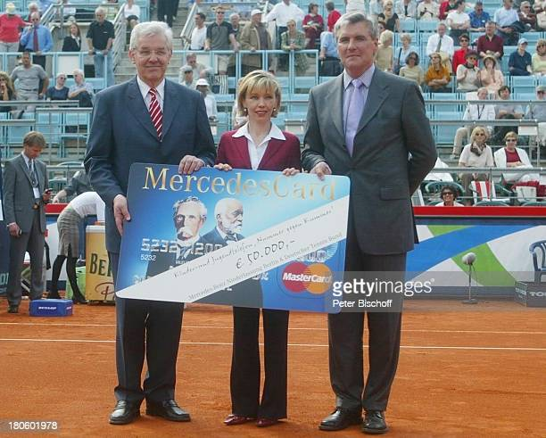 """Doris Schroeder-Koepf , Dr. Gunnar Streidt , Walter Mueller , """"Ladies Day der Mercedes-Benz Niederlassung Berlin"""" bei den """"Ladies German Open"""" des..."""