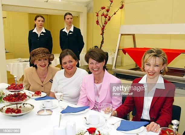 Doris SchroederKoepf Gabriele Mueller Monika Diepgen Manja Feilcke Ladies Day der MercedesBenz Niederlassung Berlin bei den Ladies German Open des...