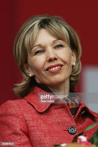 Doris SchroederKoepf wife of German Chancellor Gerhard Schroeder attends her husband's party's official election campaign launching rally August 13...