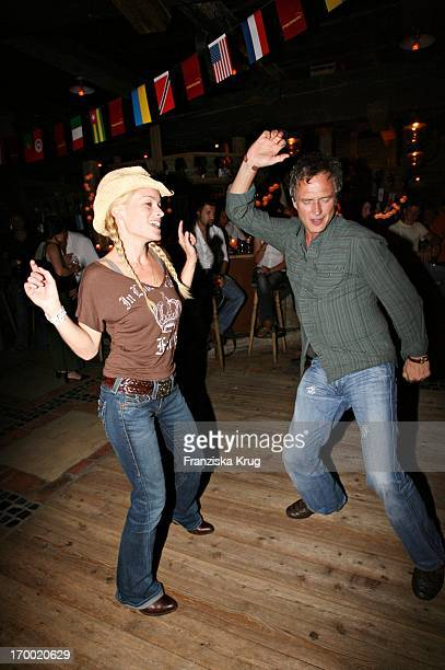 "Dorkas Kiefer Dance With a friend when Hüttenabend In ""Kraller Alm"" Of ""big border traffic"" in Leogang Saalfelden Am 230606."