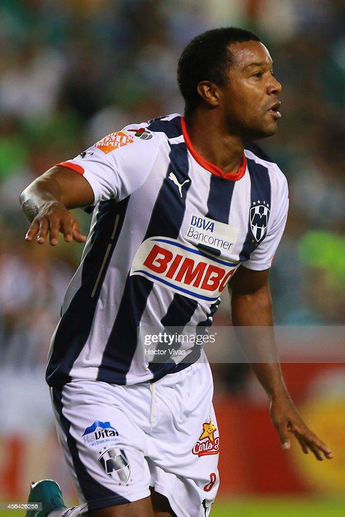 Leon v Monterrey - Apertura 2014 Liga MX