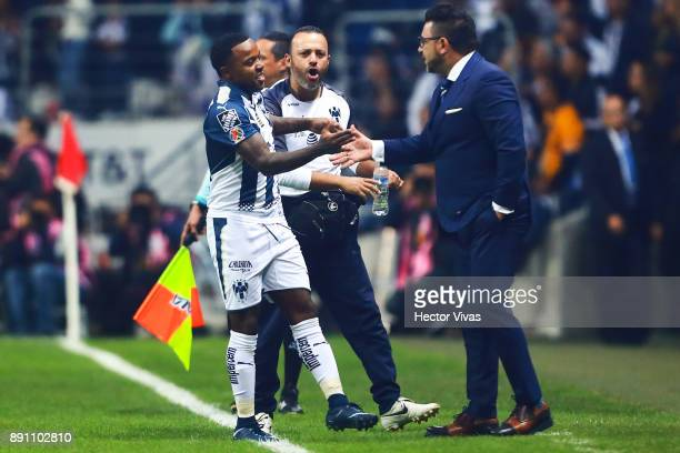 Dorlan Pabon of Monterrey celebrates with his coach Antonio Mohamed after scoring the first goal of his team wduring the second leg of the Torneo...