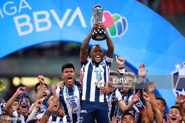 Dorlan Pabon of Monterrey celebrates with the champions trophy after the Final second leg match between America and Monterrey as part of the Torneo...