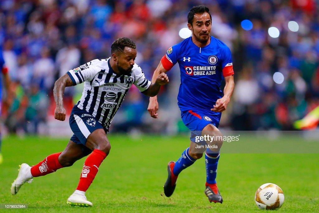 Cruz Azul v Monterrey - Playoffs Torneo Apertura 2018 Liga MX : Fotografía de noticias