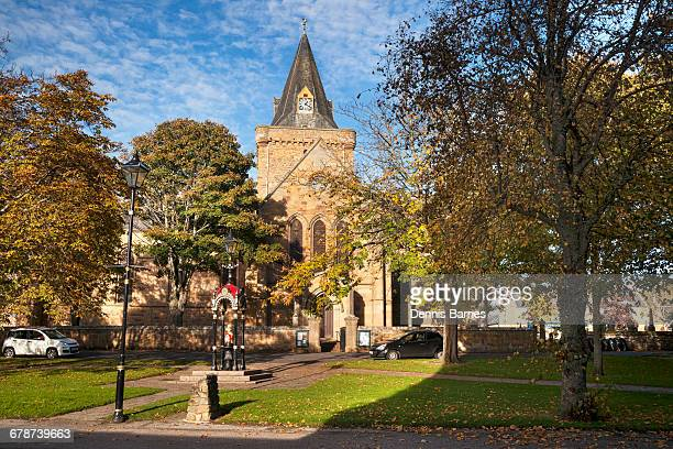 dornoch cathedral, sutherland, scotland - cathedral stock pictures, royalty-free photos & images