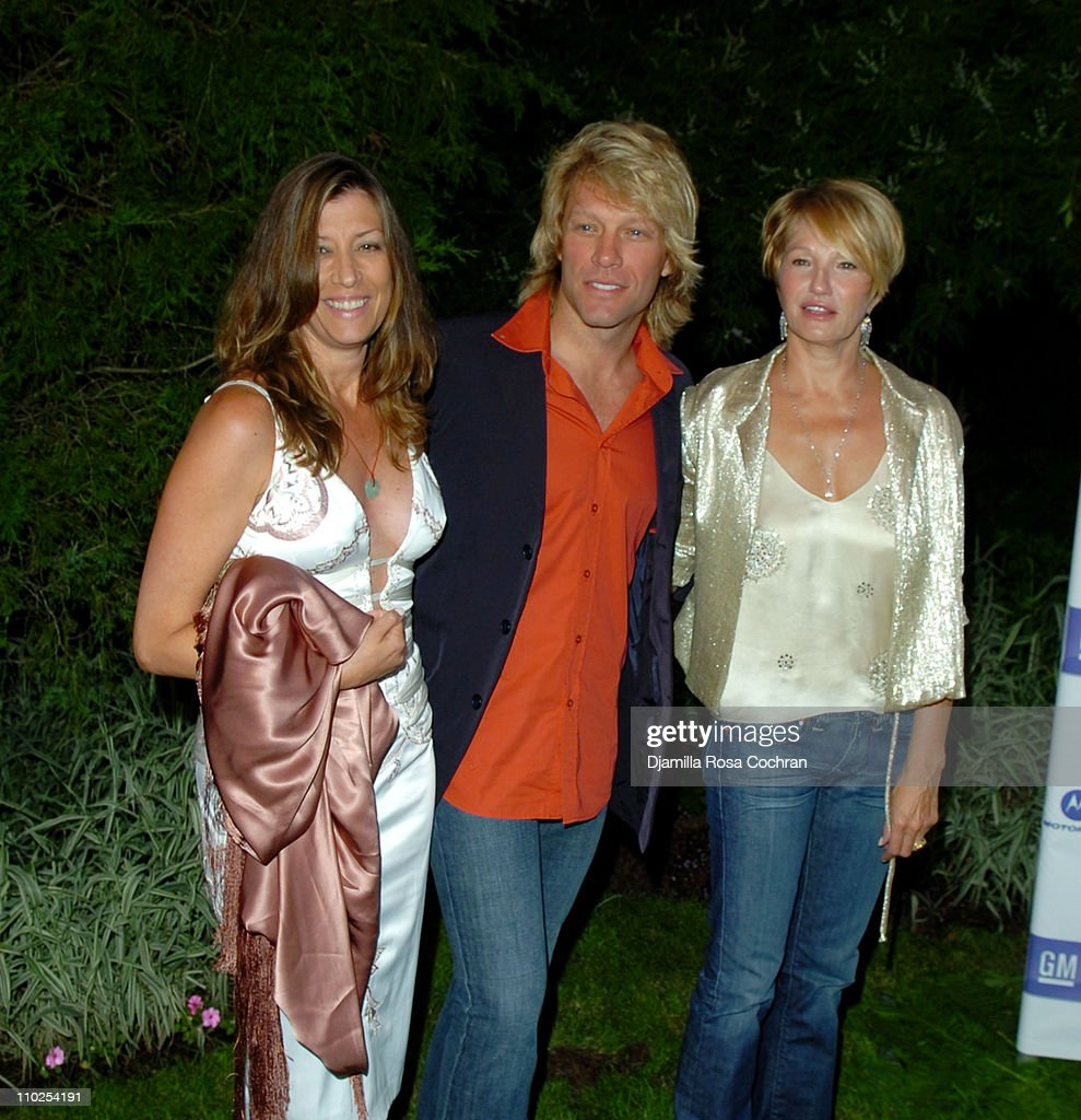 """Philanthropic Arts Foundation's Sixth Annual """"Art For Life"""" Benefit - Arrivals"""