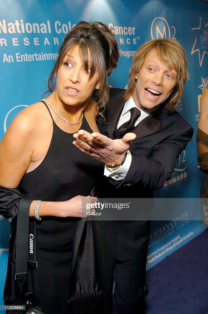 Entertainment Industry Foundation's Colon Cancer Benefit on the QM2 - Red Carpet : News Photo