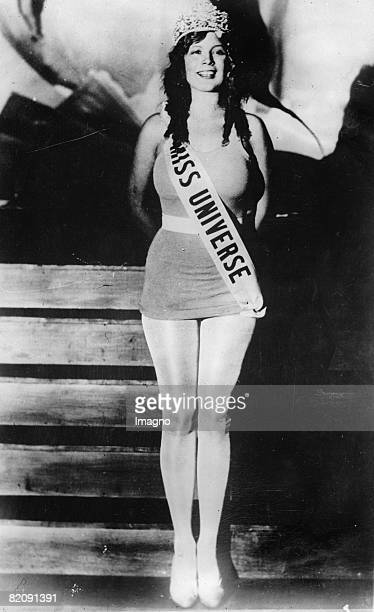Dorothy Dell Goff a 17 year old from New Orleans won the 'Miss Universe' beauty pageant in Galveston Photograph America August 15th 1930 [Dorothy...