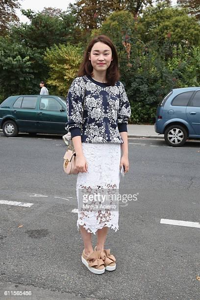 Dorothy Hu seen wearing Chloe during Paris Fashion Week Spring/Summer 2017on September 29 2016 in Paris France