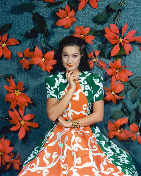 dorothy-lamour-us-actress-wearing-a-gree