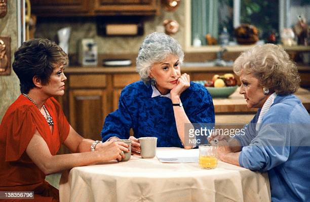 GIRLS 'Dorothy's Prized Pupil' Episode 21 Pictured Rue McClanahan as Blanche Devereaux Bea Arthur as Dorothy Petrillo Zbornak Betty White as Rose...