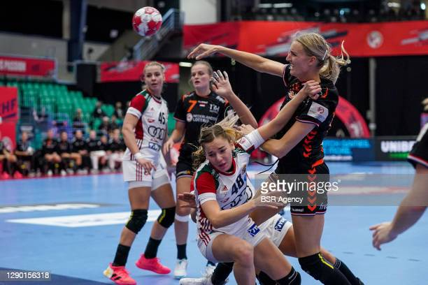 Dorrotya Faluvegi of Hungary, Kelly Dulfer of Netherlands during the Women's EHF Euro 2020 match between Netherlands and Hungary at Sydbank Arena on...