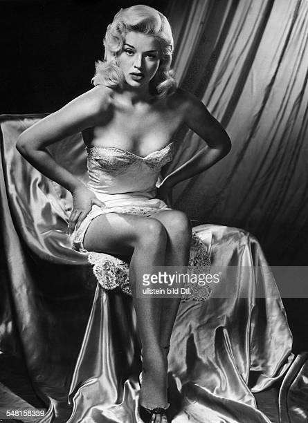Dors Diana Actress Great Britain * Scene from the movie 'The Long Haul'' Directed by Ken Hughes Great Britain 1957 Produced by Marksman Productions...