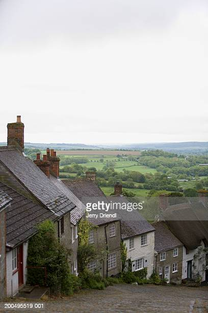 uk, dorset, shaftesbury, 18th century cottages on gold hill - the slants stock pictures, royalty-free photos & images