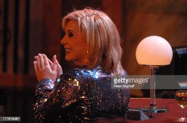 """Dorthe Kollo beim Auftritt von B o n n i e T y l e r, ZDF-Musik-Show Abschieds-Gala zum 70. Geburtstag """"Danke, D i e t e r T h o m a s H e c k!"""",..."""