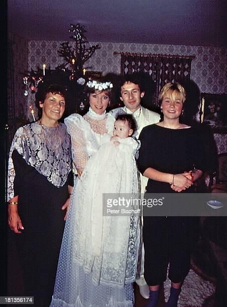 Dorthe Kollo Ehemann Bernd Klinkert Tochter Nathalie Hochzeit von Dorthe Kollo und Bernd Klinkert Samsö Dänemark Skandinavien Europa Hochzeitskleid...