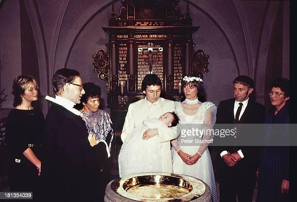 Dorthe Kollo Ehemann Bernd Klinkert Tochter Nathalie Pfarrer Hochzeit von Dorthe Kollo und Bernd Klinkert Samsö Dänemark Skandinavien Europa...