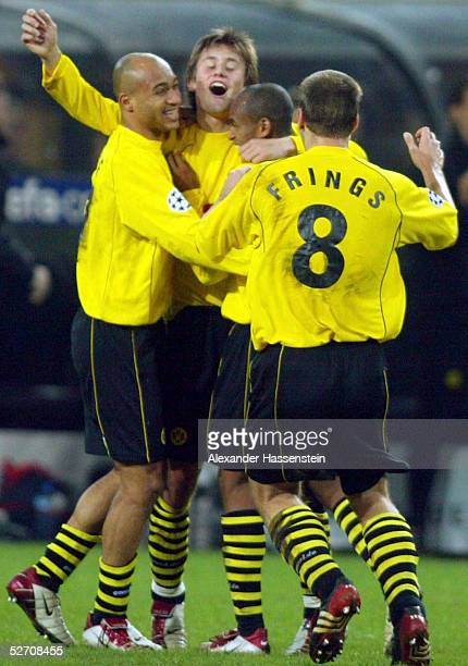 LEAGUE 02/03 Dortmund BORUSSIA DORTMUND ARSENAL LONDON JUBEL nach dem Eigentor zum 11 durch GILBERTO DEDE Tomas ROSICKY EWERTHON Torsten...