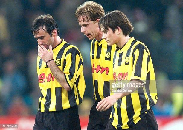 1 BUNDESLIGA 00/01 Dortmund BORUSSIA DORTMUND VFB STUTTGART 00 vli Miroslav STEVIC Joerg HEINRICH Tomas ROSICKY/DORTMUND