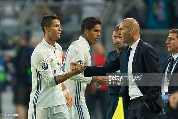 Dortmund Germany UEFA Champions League 2016/17 Season Group F Matchday 2 BV Borussia Dortmund Real Madrid Cristiano Ronaldo und Trainer Zinedine...