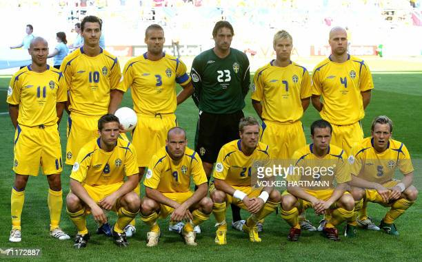 The Swedish team poses 10 June 2006 in Dortmund before their match against Trinidad and Tobago with Henrik Larsson Zlatan Ibrahimovic Olof Mellberg...