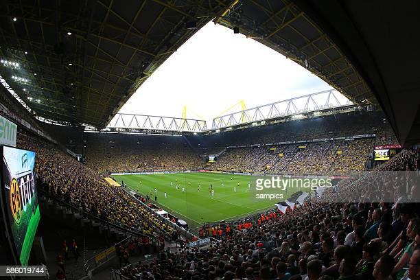 Dortmund Stadion Signal Iduna Park Borussia Dortmund BVB Borussia Mönchengladbach Moenchengladbach 40 Fussball 1 Bundesliga Saison 2015 / 2016