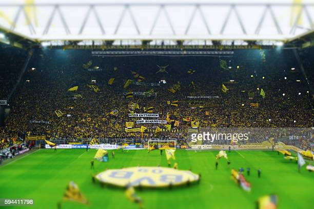60 Top Fussball Fans Stadion Pictures Photos Images