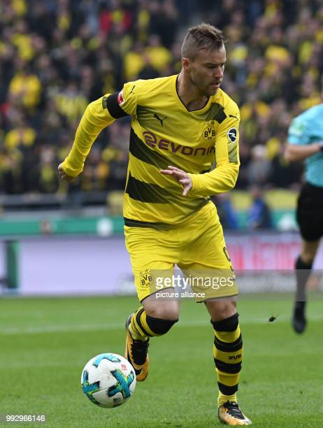 Dortmund's Andrey Yarmolenko in action during the Bundesliga soccer match between Hanover 96 and Borussia Dortmund in the HDI Arena in Hanover...