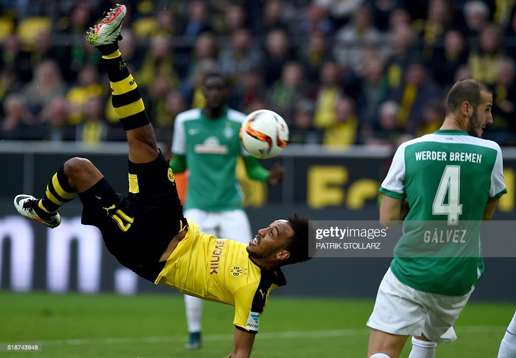 Dortmund's Gabonese striker Pierre-Emerick Aubameyang plays the ball during the German Bundesliga first division football match between Borussia Dortmund and Werder Bremen in Dortmund, western Germany, on April 2, 2016. / AFP / PATRIK