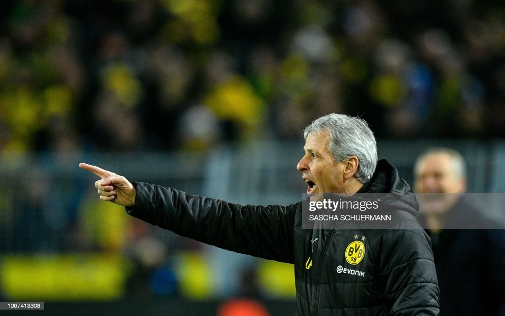 FBL-GER-BUNDESLIGA-DORTMUND-FREIBURG : News Photo