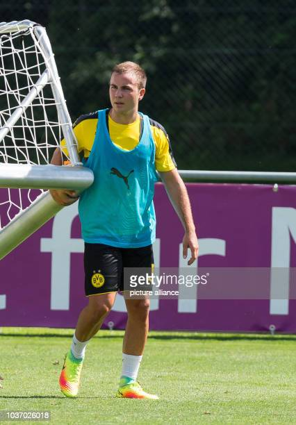 Dortmund's Mario Goetze in action at the training camp in Bad Ragaz, Switzerland, 4 August 2016. PHOTO: GUIDO KIRCHNER/dpa | usage worldwide