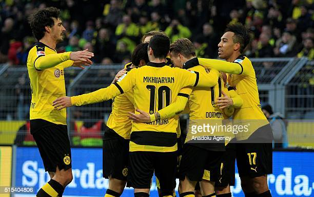Dortmund's players celebrate a goal against Mainz during the Bundesliga soccer match between Borussia Dortmund and FSV Mainz 05 at the SignalIduna...