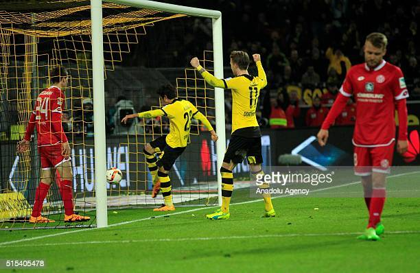 Dortmund's Shinji Kagawa scores a goal during the Bundesliga soccer match between Borussia Dortmund and FSV Mainz 05 at the SignalIduna stadium in...
