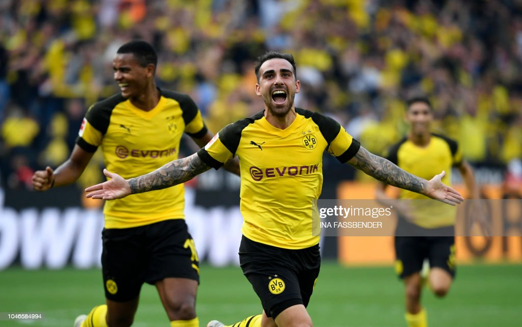 FBL-GER-BUNDESLIGA-DORTMUND-AUGSBURG : News Photo