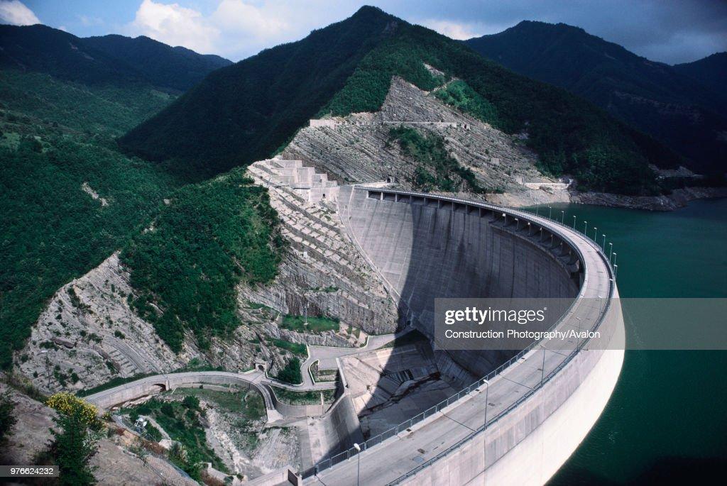 Double arch dam, Italy. : News Photo