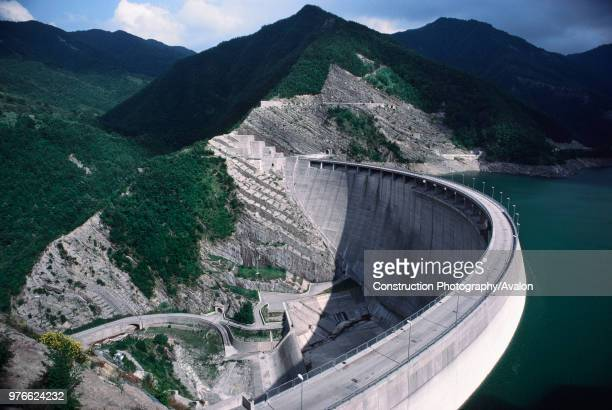 Double arch dam Italy