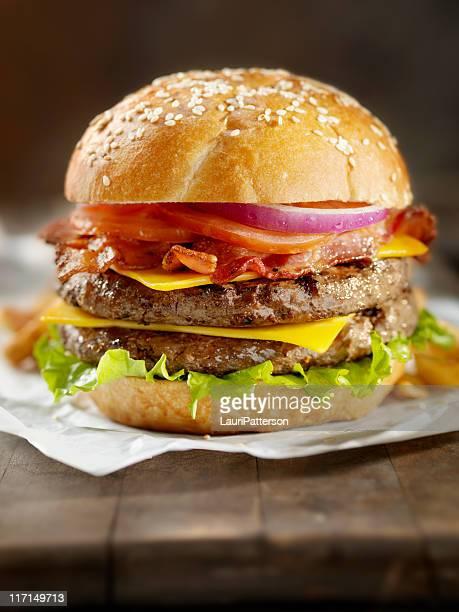 Cheeseburger mit Speck
