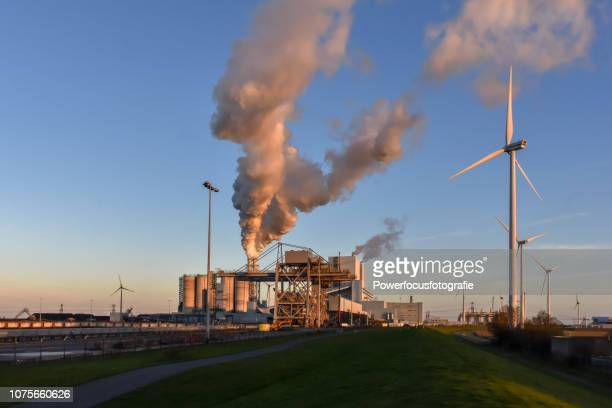 double energy - fossil fuel stock pictures, royalty-free photos & images