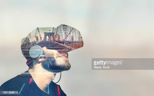 double exposure virtual reality - simulatore di realtà virtuale foto e immagini stock