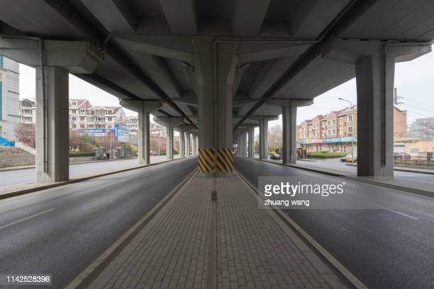 double row highway - railings stock pictures, royalty-free photos & images