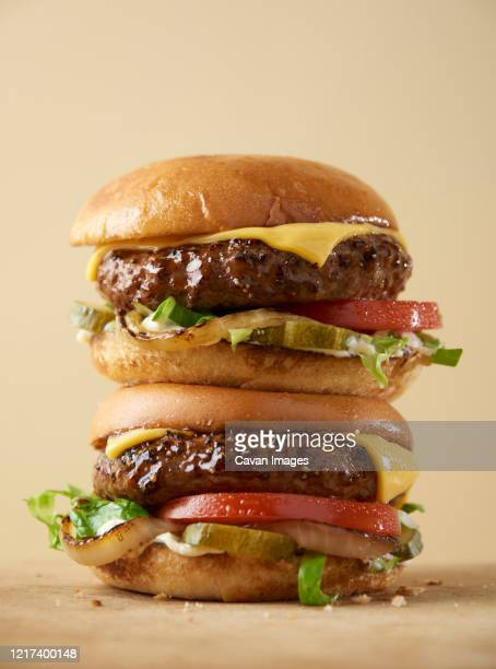double whopper hamburg with cheese - succulent stock pictures, royalty-free photos & images