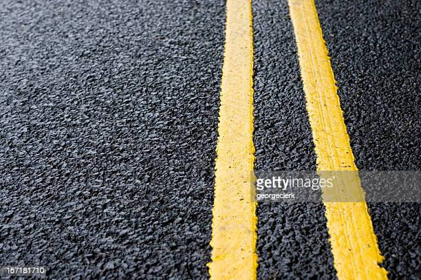 double yellow line - dividing line road marking stock pictures, royalty-free photos & images
