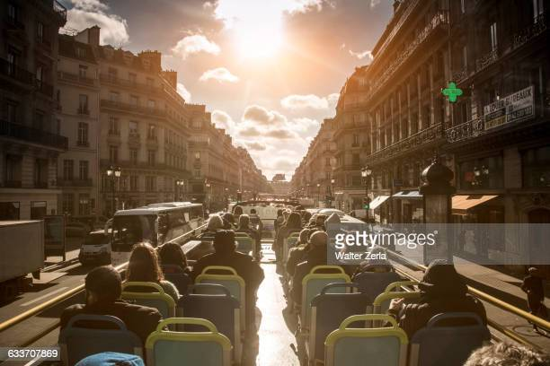 double-decker bus tour in paris, ile-de-france, france - tourisme photos et images de collection