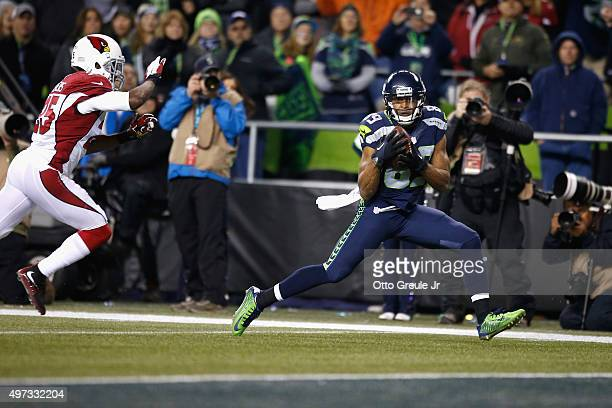 Doug Baldwin of the Seattle Seahawks catches a touchdown pass during the third quarter against the Arizona Cardinals at CenturyLink Field on November...